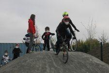 Le Secours populaire a fait tester le BMX à 35 enfants
