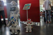 Les robots envahissent la bibliothèque universitaire
