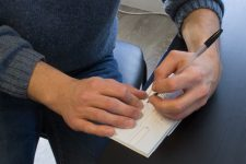 Un employé de la sécurité sociale écroué pour avoir détourné une cinquantaine de chèques