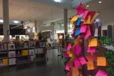 Un arbre à vœux à la bibliothèque universitaire