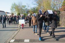 Une centaine de professeurs trappistes manifestent contre  la loi Blanquer