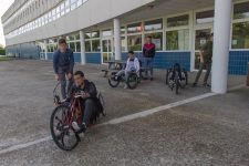 Les élèves du lycée Dumont d'Urville s'essayent au handisport