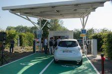 Au Technocentre, Renault teste une station de recharge de voitures électriques innovante