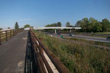 La passerelle piétons-cycles au-dessus de la RN 12 ouvre bientôt