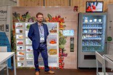 Un Maurepasien entrepreneur met au point des distributeurs connectés sur mesure