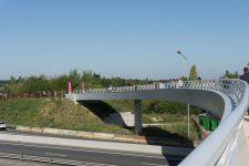 La passerelle piétons-cycles au-dessus de la RN 12 inaugurée
