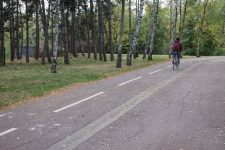 Une femme tend un piège aux voleurs de vélo