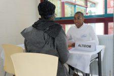 Un forum d'emploi pour les candidats peu diplômés