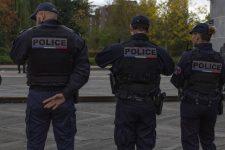 Deux hommes arrêtés pour trafic de drogue et de contrefaçons de vêtements