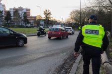 Un jeune dealer se fait prendre à l'odeur par la police