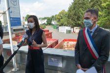 La secrétaire d'État Brune Poirson en visite à la déchetterie