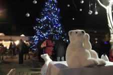 Les villes s'adaptent à la crise sanitaire pour célébrer Noël