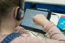 Du soutien scolaire en ligne pour les élèves en école élémentaire