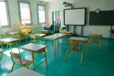 Fermeture des établissements scolaires jusqu'aux 25 avril et 3 mai