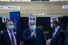 Au Vélodrome, Gérard Larcher insiste sur le «suivi épidémiologique» des personnes vaccinées