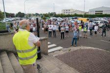 Les riverains manifestent à l'aérodrome de Toussus contre les nuisances sonores